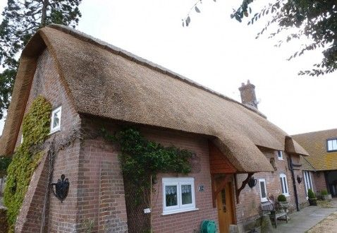 Traditional Thatch Roofing In Dorset