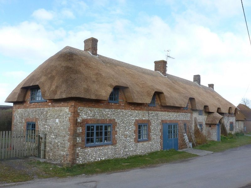 Dorset Roof Thatchers Thatched Roof Repairs And Ridging