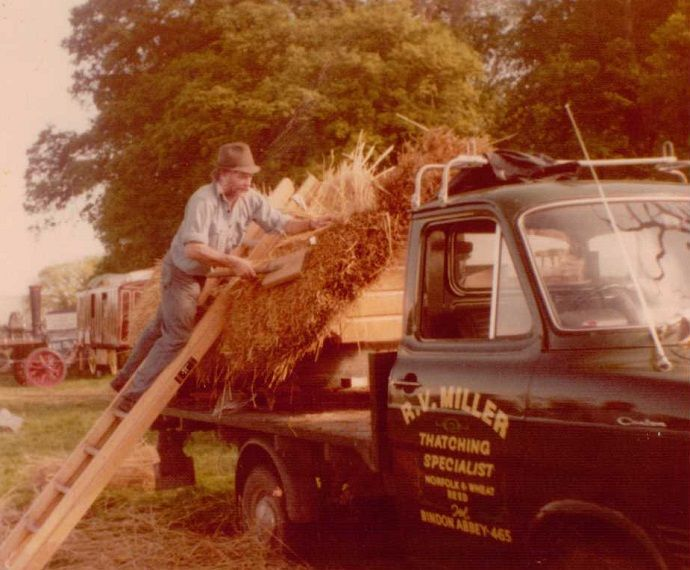 Bespoke Roof Thatch Services In Bournemouth